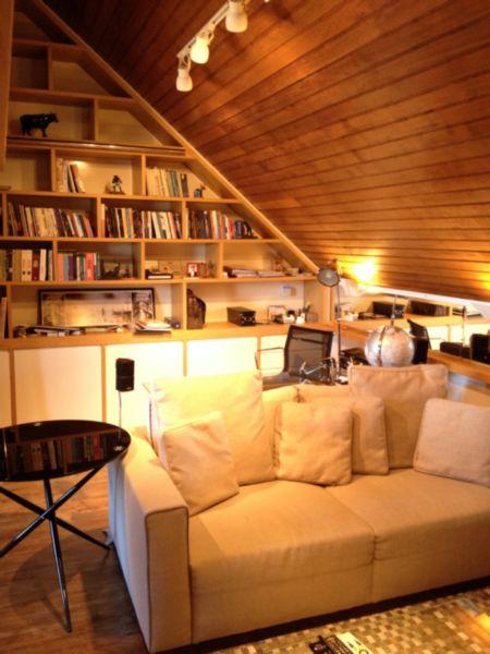 Casa com 3 Dormitórios no Bairro Cristal em Porto Alegre - RS