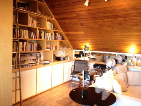 Casa com 3 Dormitórios no Bairro Cristal em Porto Alegre - RS - Foto 4