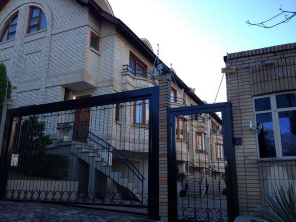 Casa com 3 Dormitórios no Bairro Cristal em Porto Alegre - RS - Foto 2