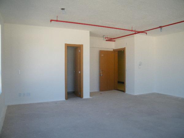 Sala Comercial com Infra Privilegiada do Edifício no Bairro - Foto 5
