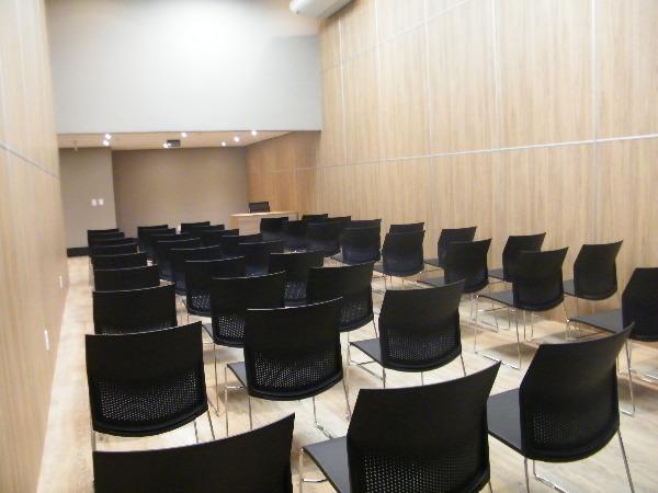 Sala Comercial com Infra Privilegiada do Edifício no Bairro - Foto 14