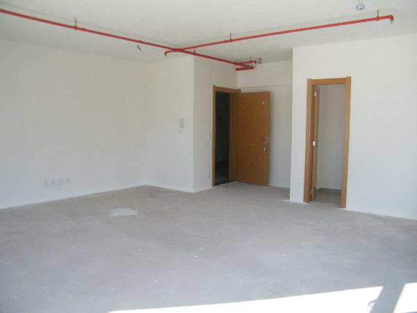 Sala Comercial com Infra Privilegiada do Edifício no Bairro - Foto 6