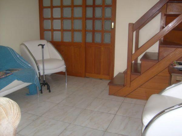 Casa Semimobiliada com 2 Dormitórios no Bairro Cavalhada em Porto - Foto 12