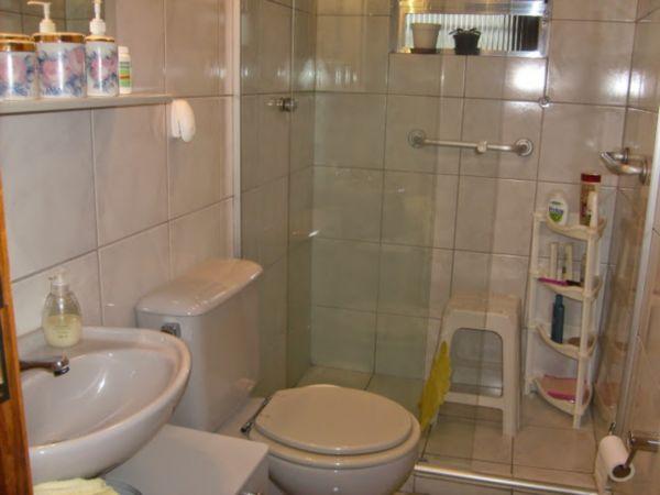 Casa Semimobiliada com 2 Dormitórios no Bairro Cavalhada em Porto - Foto 16