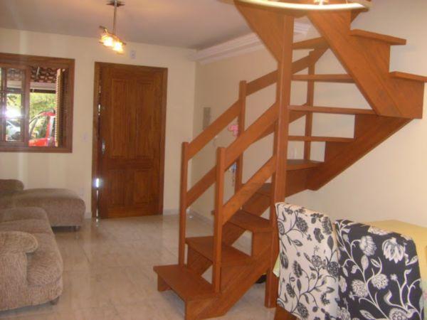 Casa Semimobiliada com 2 Dormitórios no Bairro Cavalhada em Porto - Foto 4