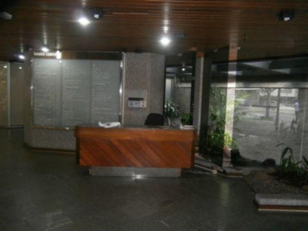 Sala Comercial Mobiliada, com 2 Vagas de Garagem no Bairro São - Foto 2