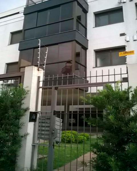 Apartamento Semimobiliado com 2 Dormitórios é 2 Vagas no Bairro