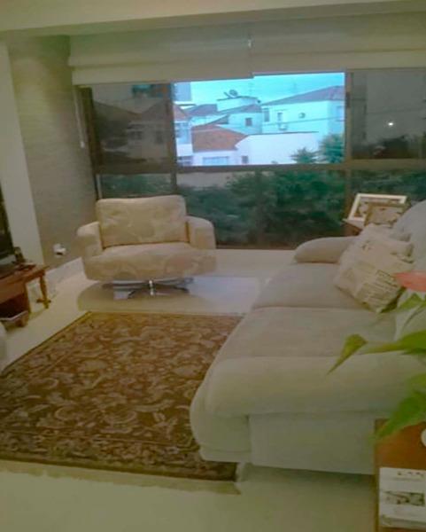 Apartamento Semimobiliado com 2 Dormitórios é 2 Vagas no Bairro - Foto 6