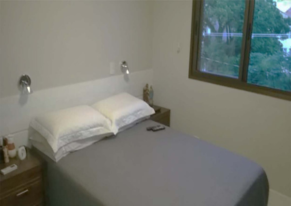 Apartamento Semimobiliado com 2 Dormitórios é 2 Vagas no Bairro - Foto 9