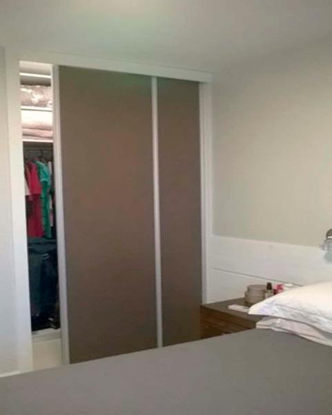 Apartamento Semimobiliado com 2 Dormitórios é 2 Vagas no Bairro - Foto 10