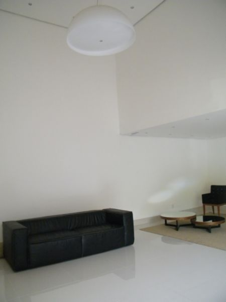 Apartamento com 1 Dormitório no Bairro Moinhos de Vento em Porto - Foto 8