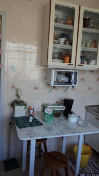 Apartamento com 2 Dormitórios no Bairro Petrópolis em Porto - Foto 7