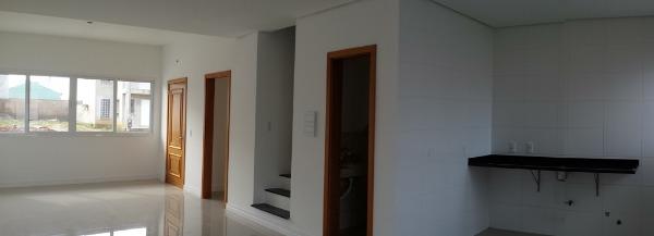 Casa com 3 Dormitórios é 180m² Privativos na Protásio Alves em - Foto 2