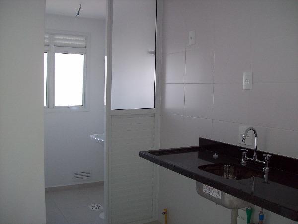 Apartamento com 3 Dormitórios no Bairro Passo da Areia em Porto - Foto 8