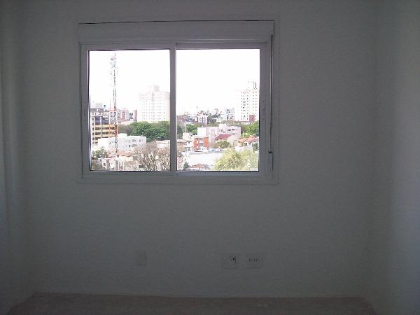Apartamento com 3 Dormitórios no Bairro Passo da Areia em Porto - Foto 9