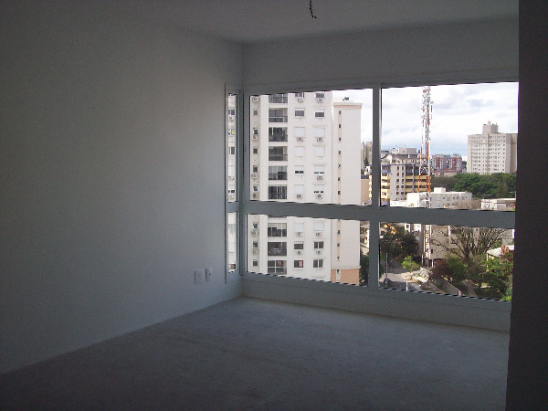 Apartamento com 3 Dormitórios no Bairro Passo da Areia em Porto - Foto 6