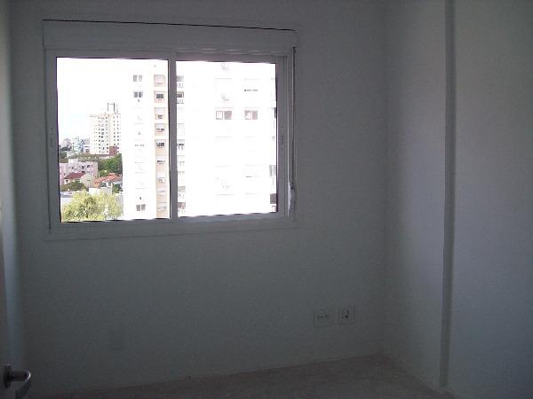 Apartamento com 3 Dormitórios no Bairro Passo da Areia em Porto - Foto 11