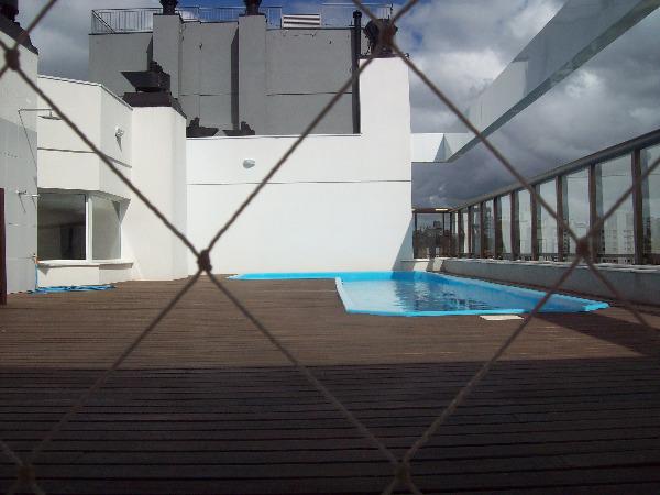 Apartamento com 3 Dormitórios no Bairro Passo da Areia em Porto - Foto 12