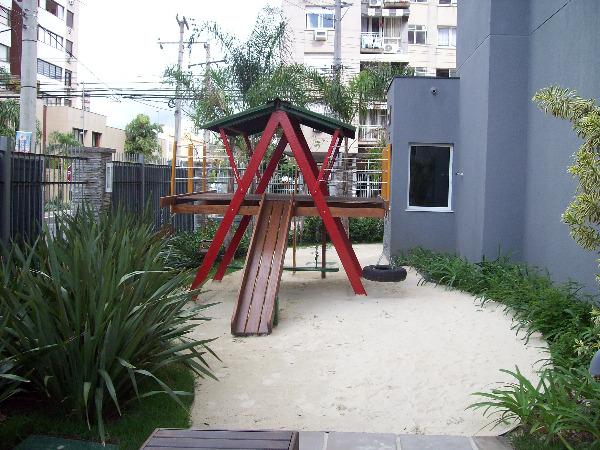 Apartamento com 3 Dormitórios no Bairro Passo da Areia em Porto - Foto 16