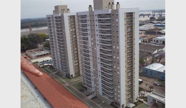 Apartamento com 2 Dormitórios no Bairro Floresta em Porto Alegre