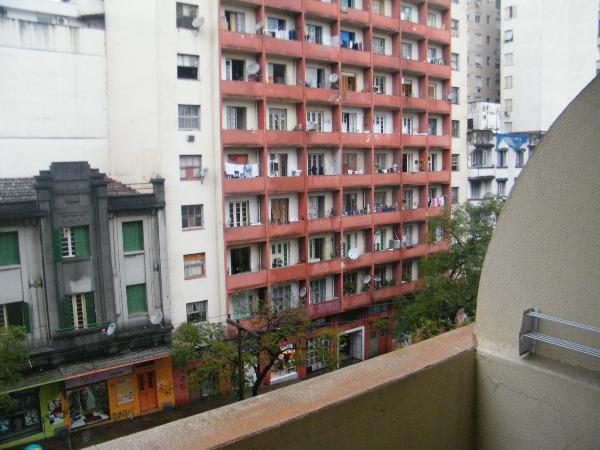 Apartamento com 2 Dormitórios no Centro Histórico em Porto Alegre - Foto 11