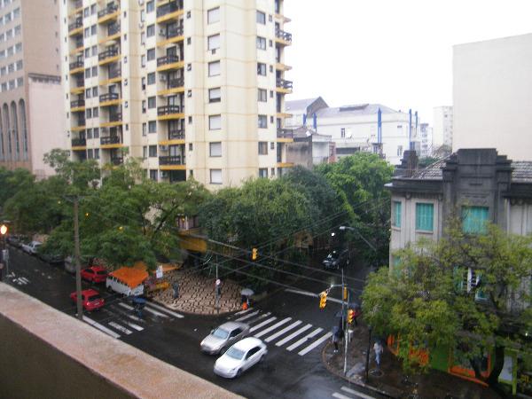 Apartamento com 2 Dormitórios no Centro Histórico em Porto Alegre - Foto 12