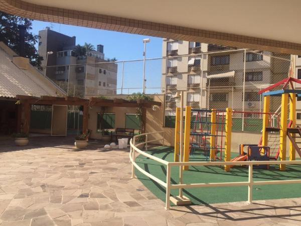 Apartamento com 3 Dormitórios no Bairro Higienópolis em Porto - Foto 5