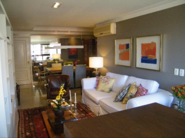 Apartamento com 3 Dormitórios no Bairro Higienópolis em Porto - Foto 14