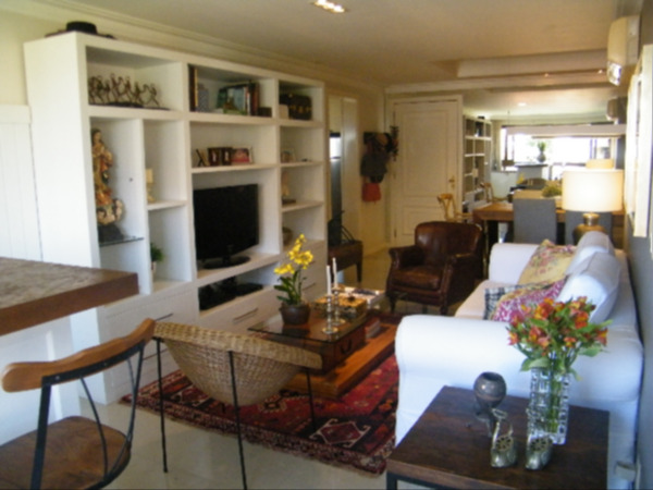 Apartamento com 3 Dormitórios no Bairro Higienópolis em Porto - Foto 8