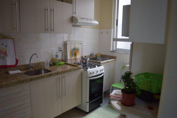 Apartamento com 2 Dormitórios no São Geraldo Porto Alegre - RS - Foto 4