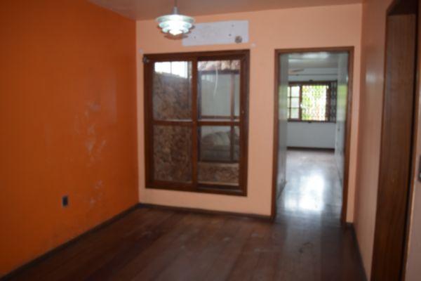 Casa com 3 Dormitórios no Bairro Sarandí Porto Alegre RS - Foto 4