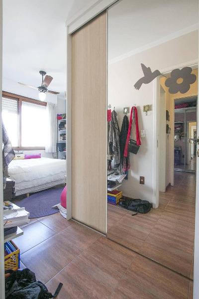 Apartamento com 2 Dormitórios é 1 Vaga de Garagem no Bairro - Foto 10