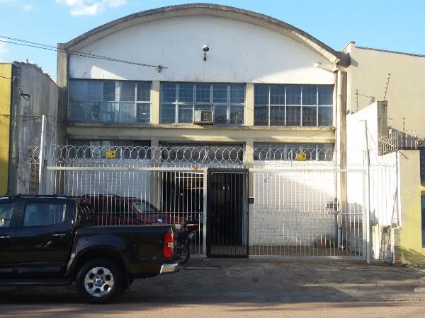 Terreno no bairro Floresta, próximo a Av. Farrapos. Com 457,60m2, com depósito/oficina e escritório.