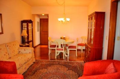 Apartamento com 3 Dormitórios no Bairro Azenha em Porto Alegre -