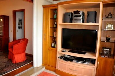 Apartamento com 3 Dormitórios no Bairro Azenha em Porto Alegre - - Foto 2