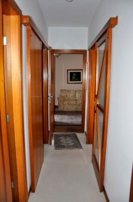 Apartamento com 3 Dormitórios no Bairro Azenha em Porto Alegre - - Foto 8